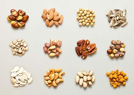 ăn các loại hạt ngũ cốc giúp tăng chiều cao cho trẻ 13-18 tuổi