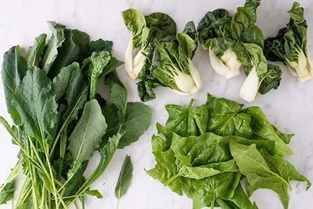 ăn nhiều rau lá xanh giúp tăng chiều cao cho trẻ 13-18 tuổi