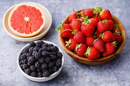 ăn trái cây bổ sung vitamin và khoáng chất giúp tăng chiều cao ở tuổi 13-18