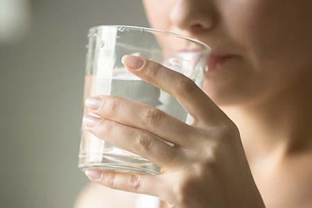cách uống nước đúng