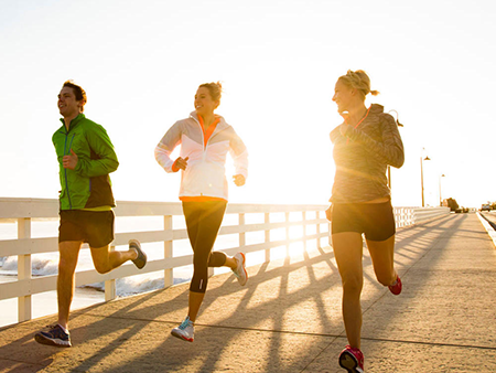tiếp xúc ánh nắng mặ trời giúp tăng chiều cao ở tuổi trưởng thành
